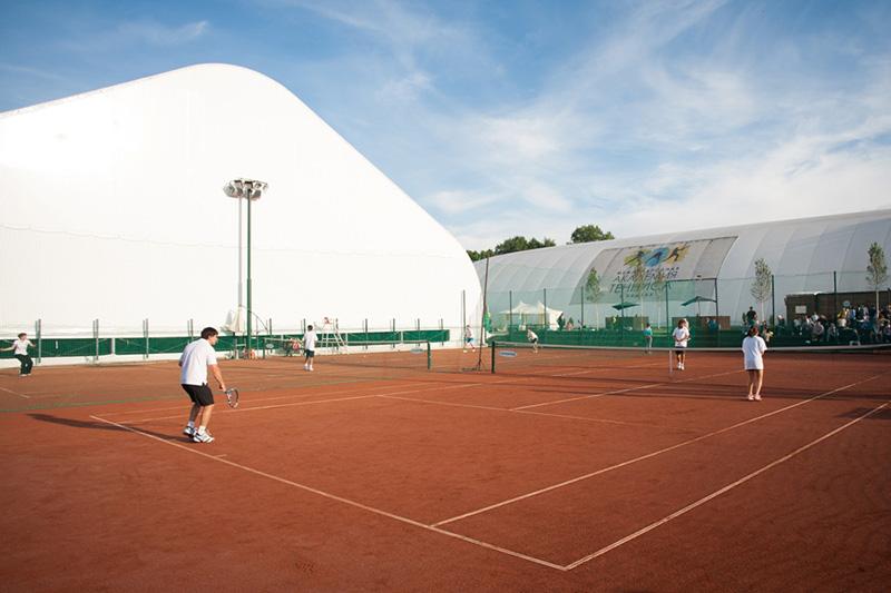Построить теннисный корт под ключ
